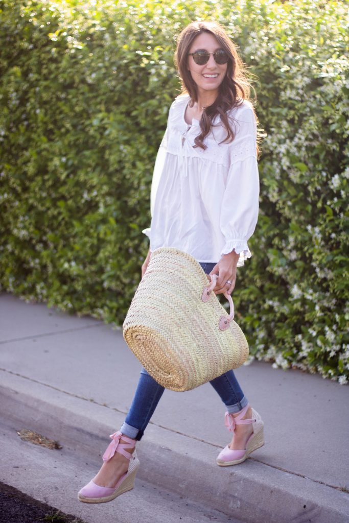white flowy top spring outfit